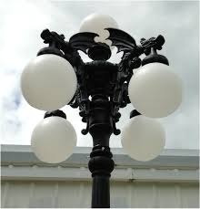 gargoyle giant pole light with five shades commercial or home