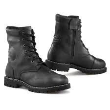 boots uk motorcycle boots free uk delivery returns rider