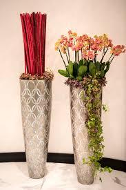 vasi decorativi vasi alti decorativi fotografia stock immagine di argento 87962928