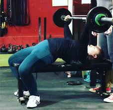 what is a bench press arch u0026 is it bad for you