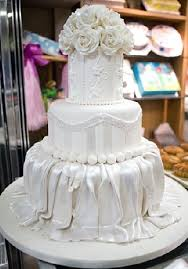 cake decorating incredible tiered white wedding cake looks like
