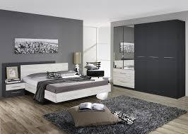 chambre blanche moderne chambre grise et blanche moderne bellechambre blanc argent avec