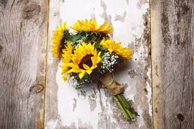 sunflower wedding these ideas to make sunflower wedding bouquets will make you smile