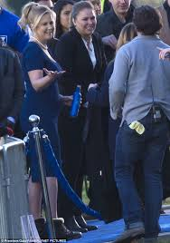 bud light commercial friends amy schumer films bud light commercial with ronda rousey and seth