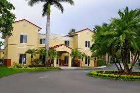 dutch west indies estate tropical exterior miami apartment shamrock housing kendall fl booking com