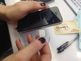 how to use your cellphone abroad in 5 easy steps extra pack of