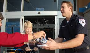 thanksgiving food bank volunteer thanksgiving food drive benefits local families lancaster