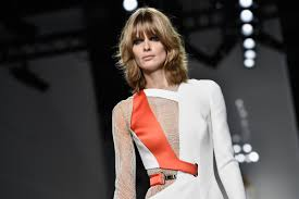 amber valetta nude versace u0027s spring couture show was pretty naked fashionista