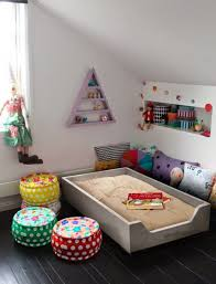 quand mettre bébé dans sa chambre 10 jolis coins lit pour une chambre de bébé dans l esprit montessori