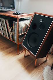 Diy Stand Up Desk Ikea by Best 25 Speaker Stands Ideas Only On Pinterest Record Player