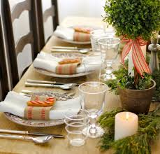 holiday table ideas with oval dining table decorate with green and