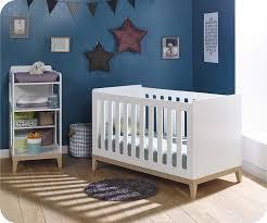 chambre evolutive pour bebe bébé évolutif riga blanc et bois avec table