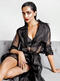 5 Deepika Padukone Controversies That Stunned Bollywood - what will catch my eye stun me into silence the red lip