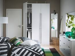 things to consider when choosing the right wardrobe for your
