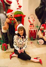 pictures of christmas decorations in homes dr phil and robin mcgraw transform their home into santa u0027s