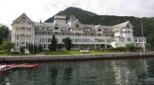file kviknes hotel jpg wikimedia commons