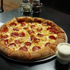round table hanford ca fatte albert s pizza 45 photos 112 reviews pizza 110 e 7th