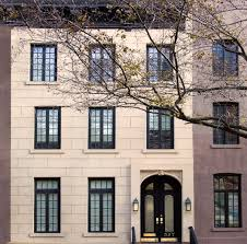 this 8 5m turtle bay townhouse is a timeless classic with pops of