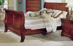 Cherry Sleigh Bed Cherry Finish Traditional Sleigh Bed W Optional Casegoods