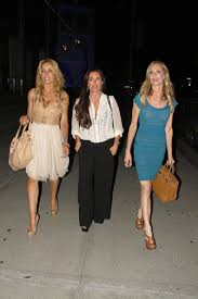kyle richards hair extensions faye resnick kyle richards and taylor armstrong at boa zimbio