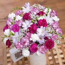 online florist flowerspost with free uk delivery bunches the online florist