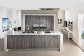 cuisine ilot central cuisson photo dans ilot central avec evier et plaque de cuisson image de