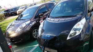 nissan blue nissan leaf 2011 elektromobilis 100 procentų elektrinis