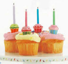 cupcake candles set of 4 mini cupcake candle holders birthday candles decorations