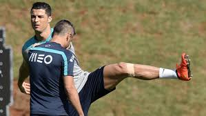 knee brace for soccer players cristiano ronaldo prepares for u s wearing knee brace cbs new york