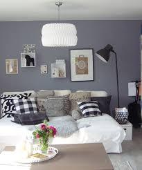 unterschied recamiere chaiselongue wohnzimmer livingroom wandgestaltung ikea cube regal standleuchte