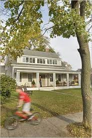 Colonial House With Farmers Porch Best 10 Farmers Porch Ideas On Pinterest Patio Swing Patio Bed
