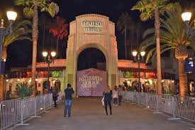 halloween horror nights ghost town halloween horror nights universal orlando sometime traveller fans