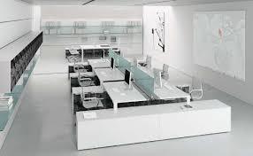 escritorio para open space moderno de madera con