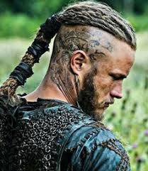 what is going on with travis fimmels hair in vikings ragnar lothbrok s hairstyle from vikings travis fimmel ragnar