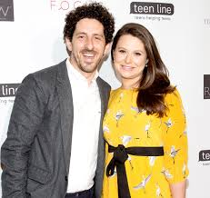 lowe s katie lowes gives birth welcomes first child with adam shapiro