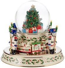 amazon com lenox holiday train snowglobe centerpiece home u0026 kitchen