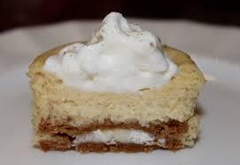 living on cloud nine cinnamon bun mini oreo cheesecakes