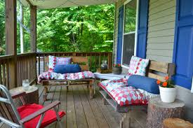 Summer Porch Decor by Tips