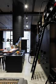 casinha colorida estilo loft no pretinho básico home