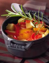 comment cuisiner les poivrons rouges pommes de terre en cocotte aux poivrons rouges régal