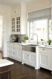 white kitchen cabinets with gold hardware shaker style cabinet pulls best shaker style kitchen cabinets ideas