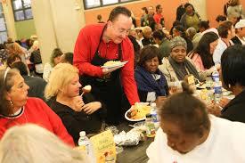 chicago bulls and zte host thanksgiving dinner at pacific garden