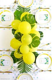 balloon centerpiece diy balloon fronds tropical party centerpiece party ideas