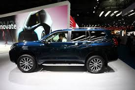 toyota land cruiser toyota shows 2018 land cruiser prado u0027s new face in frankfurt