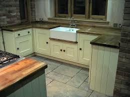 SABIN DESIGNS JOINERY SHEPHERDS HUTS WORCESTERHSIRE - Kitchen with belfast sink