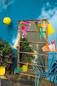 Garden Wall Paint Ideas Painting An Exterior Wall A Bold Colour Is A Great Way To Liven Up
