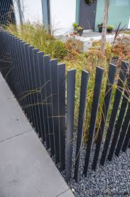 Outdoor Fence Decor Ideas by Best 25 Modern Fence Design Ideas On Pinterest Modern Fence
