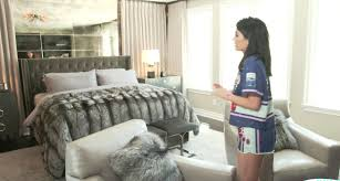 kylie jenner gives tour of her bedroom in new calabasas house
