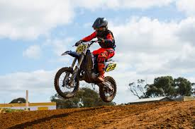 85cc motocross racing sa junior motocross champions crowned in close final round at monarto