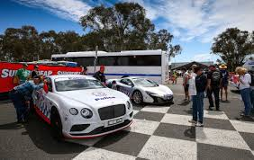 2016 bentley falcon mclaren 650s u0026 bentley police cars debut at bathurst 1000